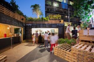 Café à Melbourne faite avec des palettes