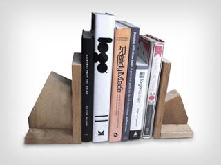 Conception des porte-livre fait de palettes