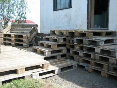 Faire une terrasse en bois avec des palettes2meuble en - Fabriquer une terrasse avec des palettes ...