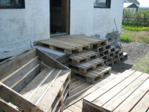 Faire une terrasse en bois avec des palettes3