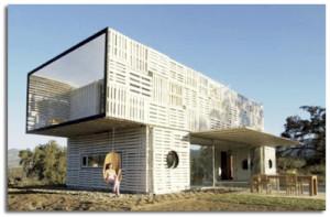Maison Manifesto Construit avec des conteneurs maritimes et des palettes7