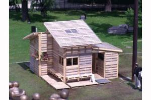 Maison de palettes ou d'un abri pour refugies3