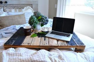 Plateau de palette à utiliser dans le lit