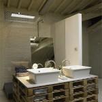 Cuisine et mobilier de salle de bain faite avec palettes