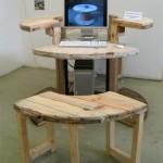 Construire une table pour l'ordinateur avec un enrouleur de câble en bois