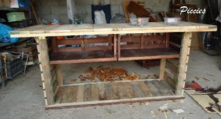 Bureau composé de palettes en bois re recyclé5meuble en palette