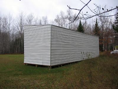 Cabane construite avec des palettes recycl esmeuble en - Cabane de jardin avec palette avignon ...