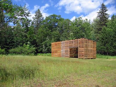 Cabane construite avec des palettes recyclées6