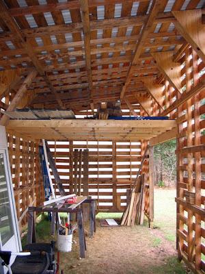 Cabane construite avec des palettes recyclées7