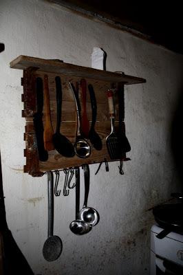 Cintre rustique pour vos ustensiles de cuisine2