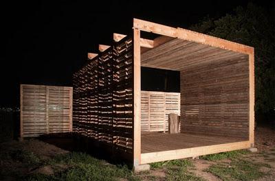 DIY Pallet Möbel Landwirtschaftliche Produktion Zentrum von recycelten Holzpaletten gebaut