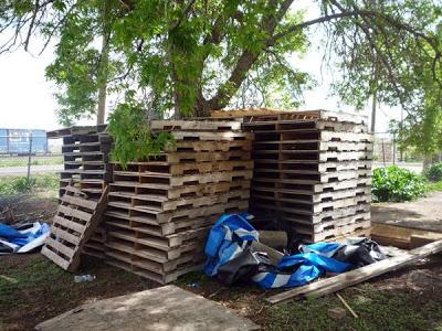 DIY Pallet Möbel Landwirtschaftliche Produktion Zentrum von recycelten Holzpaletten gebaut2