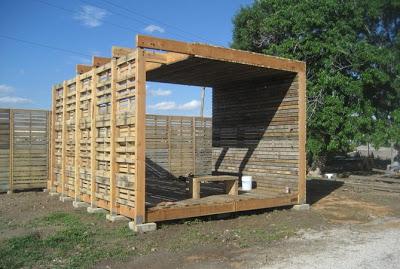 DIY Pallet Möbel Landwirtschaftliche Produktion Zentrum von recycelten Holzpaletten gebaut8