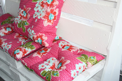 Fauteuils et table basse pour décorer un coin de votre maison5