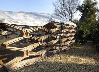 L'entreprise Avatar Archittetura designes un pavillon de palettes4