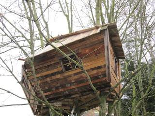 Palette cabane dans les arbres pour nos enfants9meuble en - Cabanes dans les arbres construction deco ...