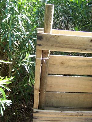 Assurez- composteur fait maison avec des palettes en bois4