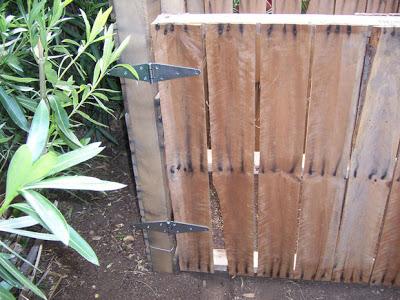 Assurez- composteur fait maison avec des palettes en bois6