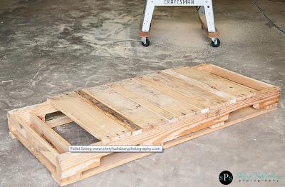 Balancelle faite avec des palettes en bois3