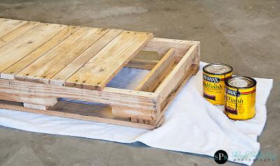 Balancelle faite avec des palettes en bois4