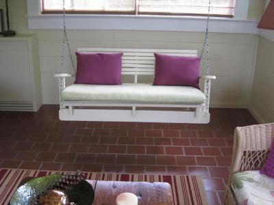 Bauen mit Recycling Holzpaletten eine schwingende Sofa