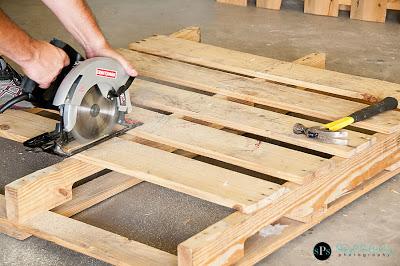 Bauen mit Recycling Holzpaletten eine schwingende Sofa2