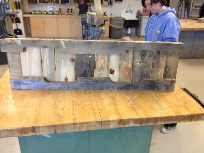 Bauen mit Recycling Holzpaletten eine schwingende Sofa3