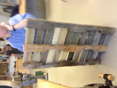 Bauen mit Recycling Holzpaletten eine schwingende Sofa6
