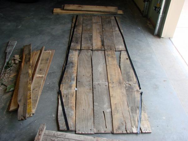 Cercueil Lowcost faite de palettes en bois4