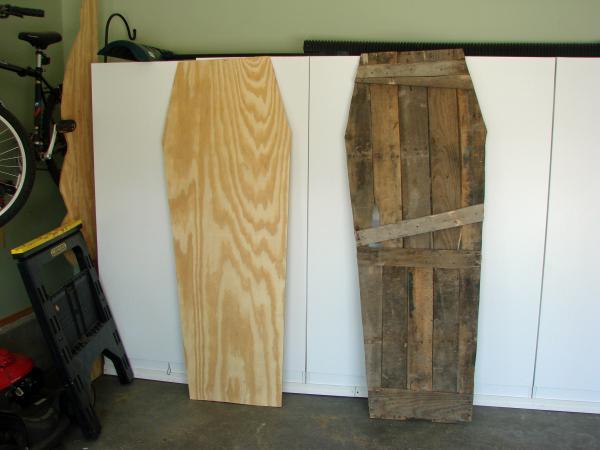 Cercueil Lowcost faite de palettes en bois6