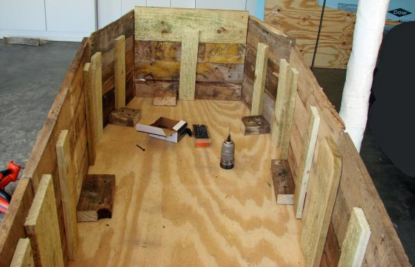 Cercueil Lowcost faite de palettes en bois8