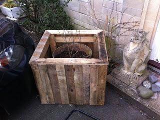 Comment faire un planteur de plein air avec des palettes en bois7