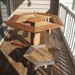 Conception d'une table hexagonale pour votre balcon faite avec des palettes en bois