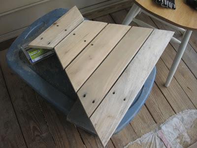 conception d une table hexagonale pour votre balcon faite avec des palettes en bois4meuble en. Black Bedroom Furniture Sets. Home Design Ideas
