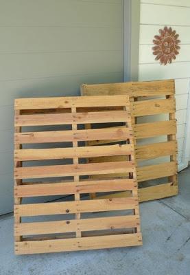 Construire un parking à vélos sur votre porche avec des palettes2