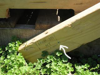 Construire un transat ( chaise longue ) pour votre jardin avec des palettes4