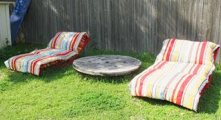 Construire un transat ( chaise longue ) pour votre jardin avec des palettes8