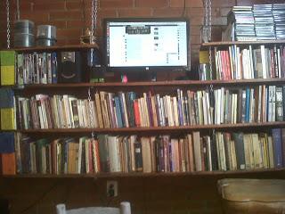 Construire une bibliothèque de palettes suspendu pour vos livres