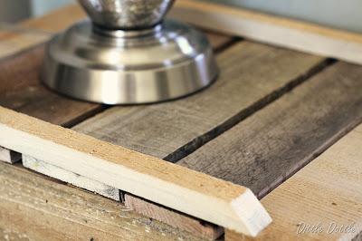 Erstellen Sie eine rustikale Nachttisch mit recycelten Holzpaletten4