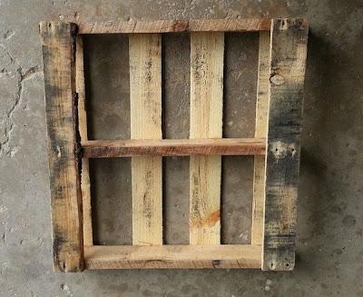 Faites votre propre tra neau avec une palette en boismeuble en palette meub - Transformer des palettes en bois ...