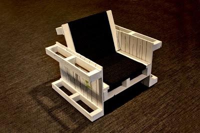 Fauteuils construits avec des palettes en bois