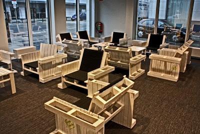 Fauteuils construits avec des palettes en boismeuble en for Modele de fauteuil en palette