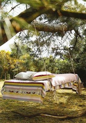Le mobilier plus original, un lit balançoire