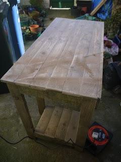 PC table faite avec des palettes en bois18