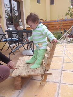 Petite conception de chaise pour vos enfants faite de palettes en bois