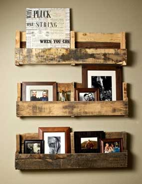 Petites étagères rustiques faites de palettes en bois recyclées