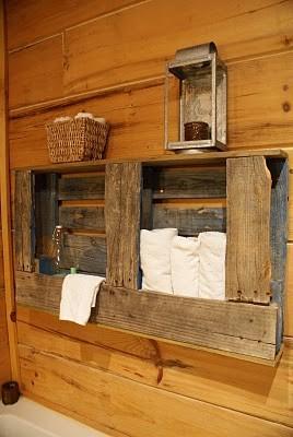 Porte-serviettes rustique pour votre salle de bain fait de palettes en bois