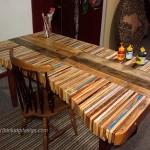 Table faite de planches de palettes