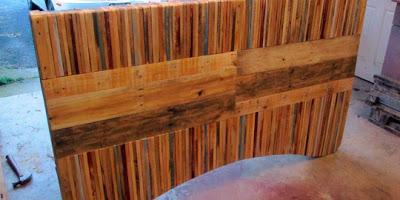 Table faite de planches de palettes10
