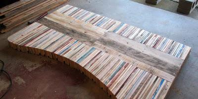 Table faite de planches de palettes9